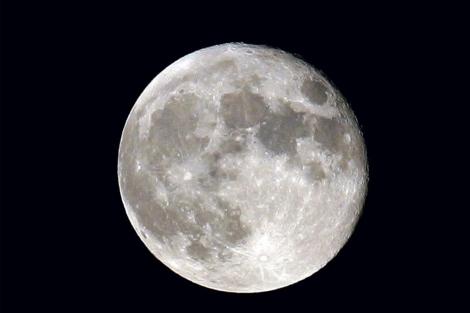 20110321101725-luna.jpg